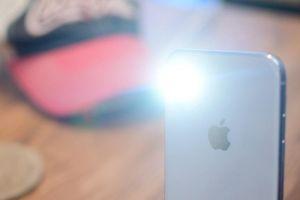 4 cách bật hoặc tắt đèn pin trên iPhone