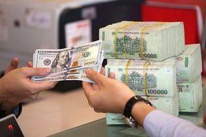 Giá USD tăng cao