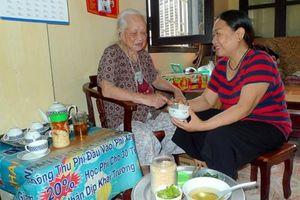 Hạnh phúc khi được chăm sóc các mẹ VNAH