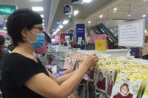 Siêu thị bán khẩu trang kháng khuẩn giá 7.000 đồng/cái