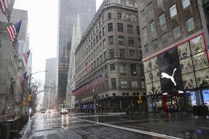 Dịch COVID-19: Giữ khoảng cách mà thấy gần nhau hơn ở New York