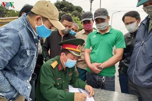Quảng Ninh:Cách ly toàn bộ xe khách chở 1 du học sinh có biểu hiện sốt