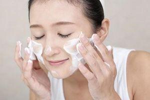 Những lưu ý khi rửa mặt để da không bị lão hóa