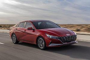 'Soi' chi tiết những công nghệ mới trên Hyundai Elantra 2021