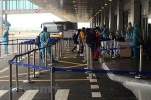 Hơn 20 chuyến bay chở công dân Việt về nước đáp xuống Vân Đồn