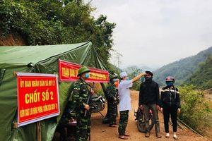 Lính quân hàm xanh 'đánh chặn' Covid-19 nơi biên giới xứ Nghệ
