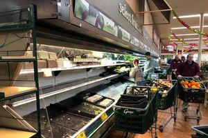 Một người ho vào thực phẩm, tạp hóa Mỹ phải bỏ 35.000 USD hàng hóa