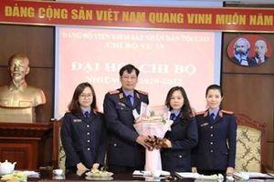 Đồng chí Trần Công Phàn dự và chỉ đạo Đại hội Chi bộ Vụ 13