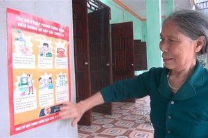 Vợ liệt sỹ gần 80 tuổi đạp xe lên xã ủng hộ tiền chống dịch COVID-19