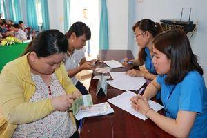 Bộ Lao động hướng dẫn trả lương cho người bị ngừng việc do COVID-19