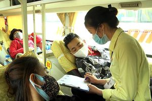 Dịch COVID-19: Bắt buộc kiểm tra thân nhiệt, khai báo y tế tại bến xe