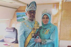 7 nhân viên nhiễm SARS-CoV-2, Nhà vua và Hoàng hậu Malaysia phải cách ly