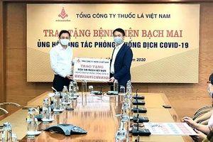 Vinataba ủng hộ Bệnh viện Bạch Mai phòng chống dịch COVID-19