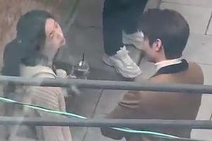 Lee Min Ho và Kim Go Eun đùa giỡn trên phim trường
