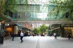 Hàng loạt cửa hàng thời trang Australia đóng cửa vì Covid-19