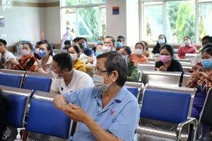 Cán bộ Sở Y tế TP HCM chỉ nơi mua khẩu trang