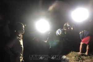 Lật thuyền trên hồ thủy điện, 3 thanh niên tử vong thương tâm