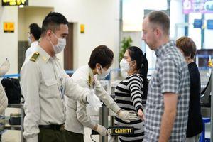 Gần 8.500 lao động nước ngoài muốn nhập cảnh vào Việt Nam