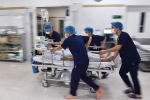 Bệnh viện Bạch Mai không thể không tiếp nhận cấp cứu các ca bệnh nặng
