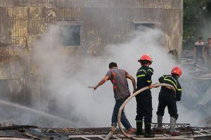 Cháy 8 căn nhà ở Long Xuyên