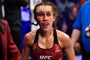 Lý do nữ võ sĩ UFC đánh tiếp dù bị biến dạng mặt