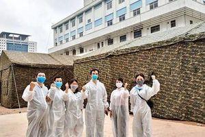 Quân đội dựng bệnh viện dã chiến trong Bệnh viện Bạch Mai