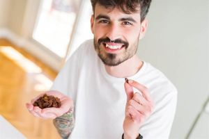 Hướng dẫn rửa nho khô trước khi ăn khiến nhiều người giật mình