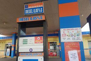 Giá xăng giảm sâu, nhiều cửa hàng ở Quảng Nam bất ngờ thông báo 'hết hàng'