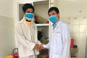 ĐBSCL: Lần đầu tiên phẫu thuật thay đĩa đệm nhân tạo cột sống cổ thành công