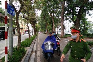 Xử phạt hành chính 4 trường hợp điều khiển xe máy trên đường không đeo khẩu trang
