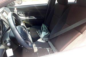 Đập phá hàng loạt xe ô tô, 8 đối tượng bị tạm giữ