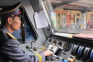 Nới tiêu chuẩn các chức danh nhân viên chạy tàu đường sắt