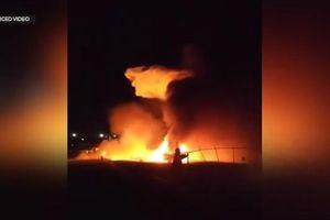 Máy bay chuyển bệnh nhân cấp cứu đặc biệt bốc cháy ngùn ngụt khiến 8 người thiệt mạng