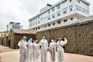 Lập khu bệnh viện dã chiến trong Bệnh viện Bạch Mai