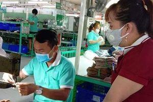 Công nhân lao động và doanh nghiệp chung sức vượt qua dịch Covid-19
