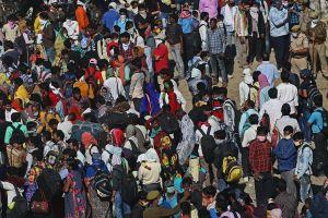 Những cảnh tượng hỗn loạn chưa từng có ở Ấn Độ