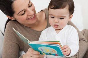 Giờ là lúc đọc sách cùng con