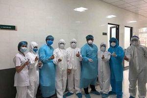 Cách ly nhân viên y tế BV Bạch Mai tại khách sạn Mường Thanh
