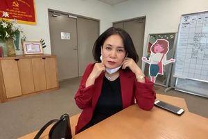 Nhà báo Tạ Bích Loan và đồng nghiệp hát 'Ghen Cô Vy' nhân sinh nhật VTV3