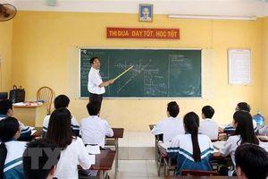 Giáo viên xúc phạm học sinh, cho điểm sai,… sẽ bị phạt nặng?