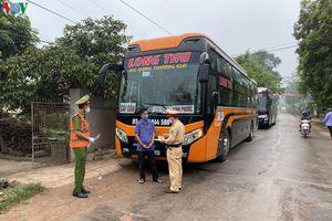 Thanh Hóa chặn giữ 3 xe khách không chấp hành quy định phòng chống dịch