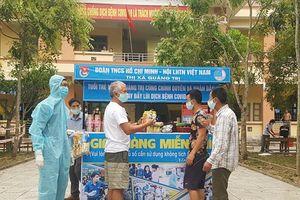 Gian hàng miễn phí bên trong khu cách ly tại Quảng Trị