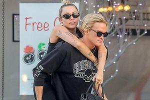 Bạn trai kỷ niệm 6 tháng yêu Miley Cyrus
