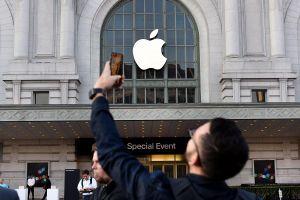 Lần đầu tiên Apple phá lệ