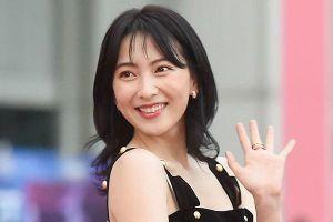 Ca sĩ Kang Ji Young bị tài xế say rượu tông chấn thương