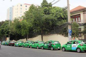 200 taxi Mai Linh chuyên chở miễn phí bệnh nhân nặng tại các bệnh viện