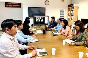 Đại sứ quán và Hội người Việt Nam họp trực tuyến về tình hình dịch Covid-19 tại Ba Lan