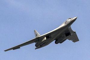 Phi công Nga lái thử nghiệm Tu-160M bằng 'hai ngón tay'?