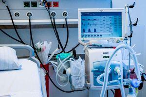 Dịch COVID-19: New York sắp cạn nguồn máy thở dự trữ