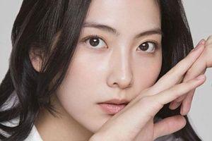 Cựu thành viên KARA Kang Ji Young tạm dừng quay phim vì gặp tai nạn xe